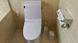 2階トイレ(ウォシュレット付き)