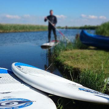 Kitekurs angebot in Dänemark am ringkobing fjord. Bucht einen beliebigen kitekurs und besucht unsere kiteschule in Dänemark zu zweit. wir führen kitekurse und supkurse von jung bis alt und freuen uns euch hier in Dänemark bei uns zu sehen.