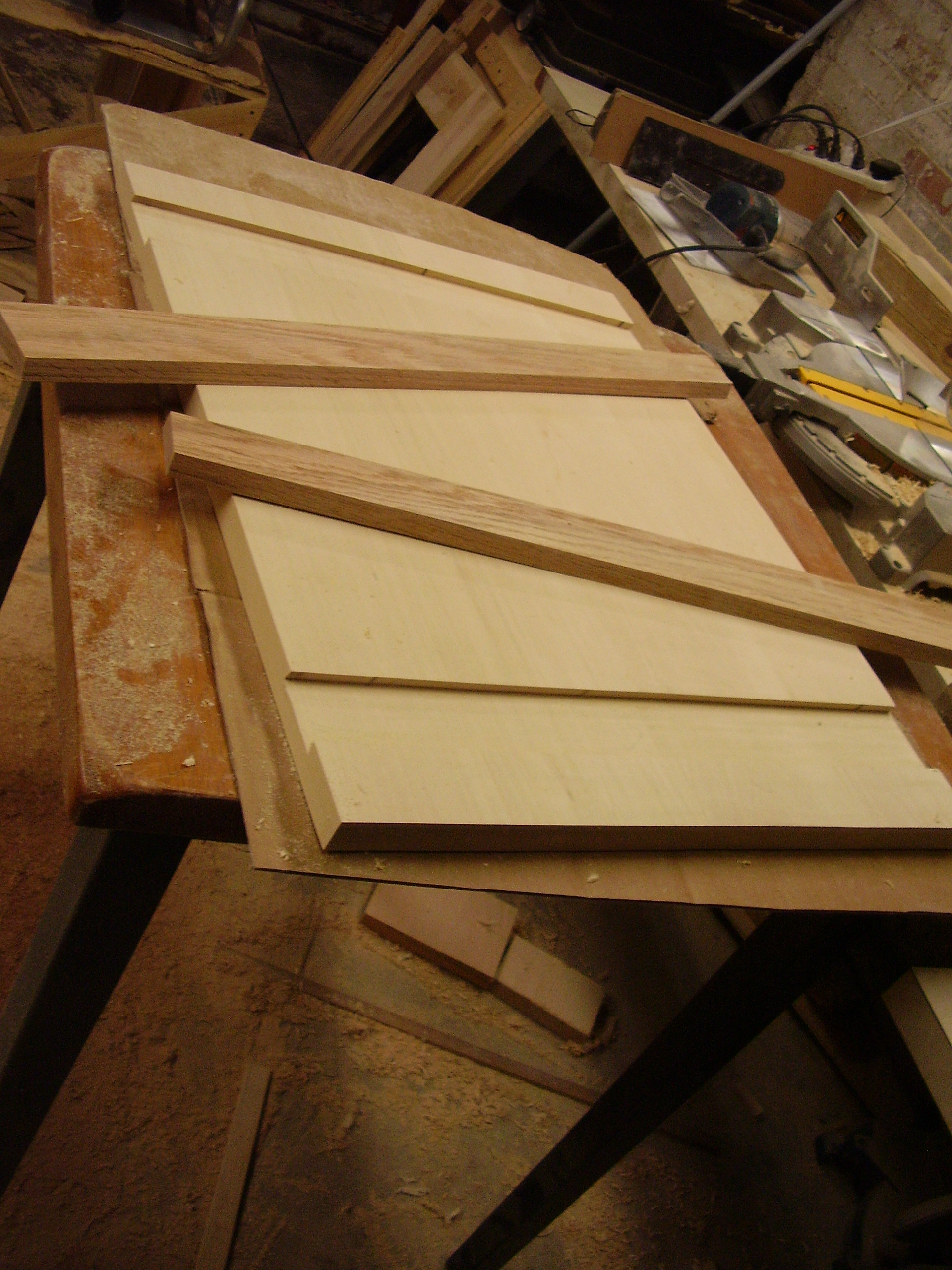 Angled dovetailed oak braces