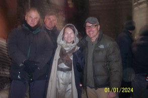 WWZ_Elena_with_directors.jpg