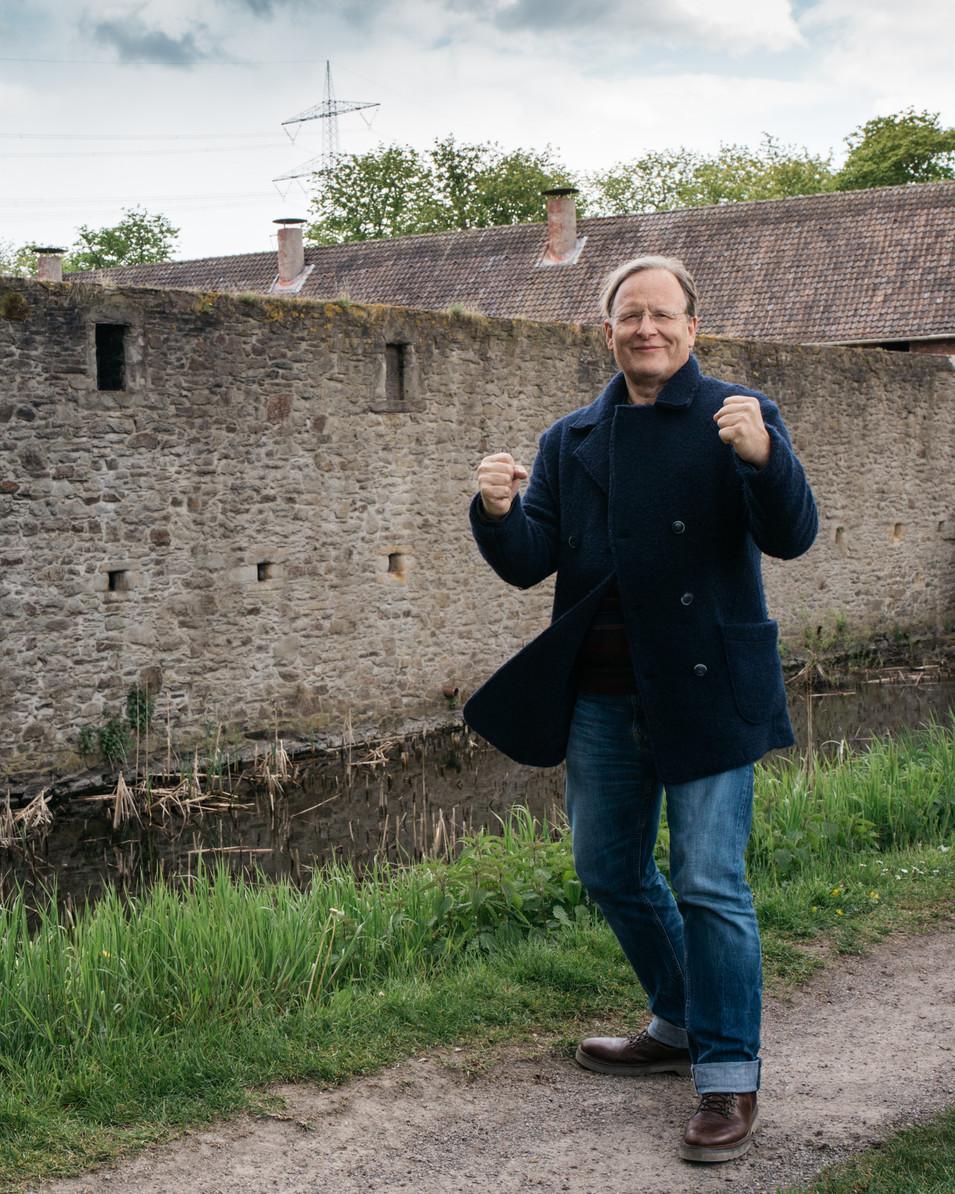 PROF. DR. DIETRICH GRÖNEMEYER