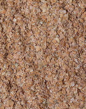 Flakes of wheat bran