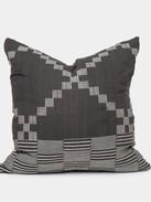 Beno Pillow