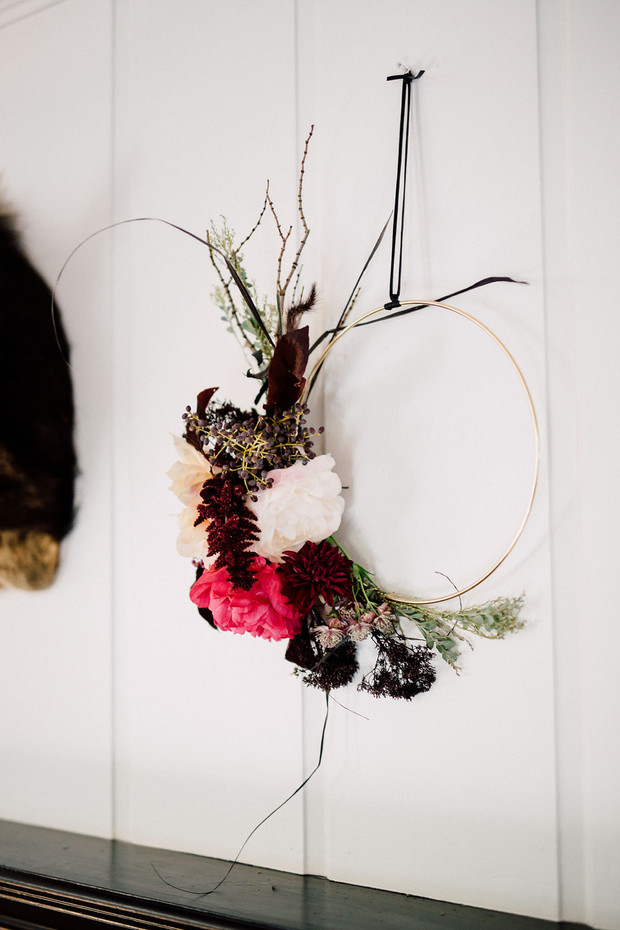 7 UNIQUE DIY CHRISTMAS WREATHS TO TRY THIS YEAR