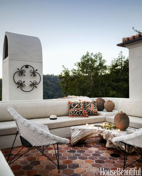SPANISH STYLE HOMES THAT WILL MAKE YOU WANT TO ADD SOME SPICE TO YOUR LIFE