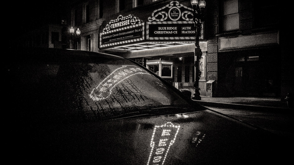 BW_TN_Theater_sign_2_reflec_on_car_hood_