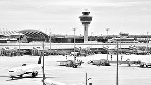 airport-2384837_1920_edited.jpg