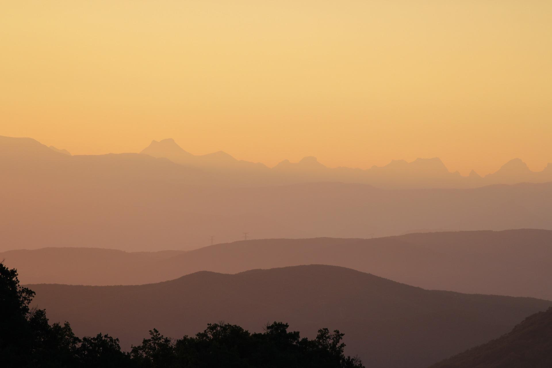 dawn-1329350_1920