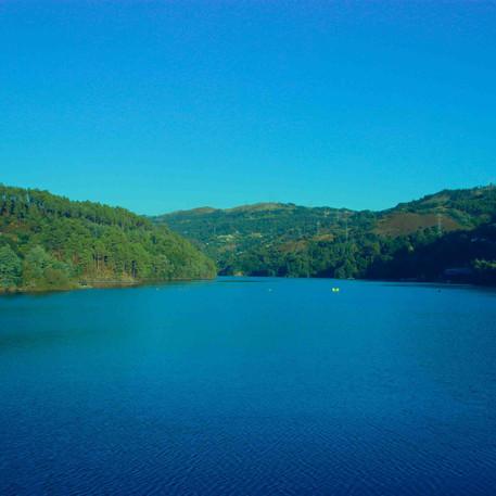 נהר הדורו בכחול וירוק