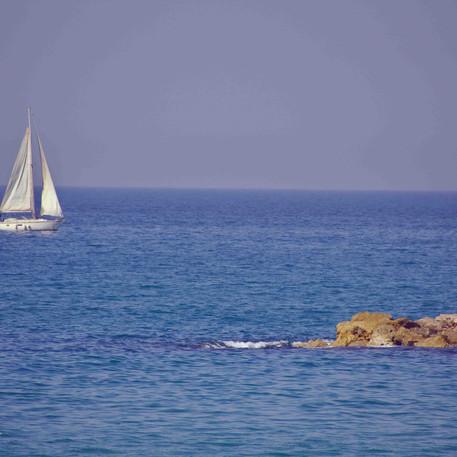 סירת מפרש בים התיכון