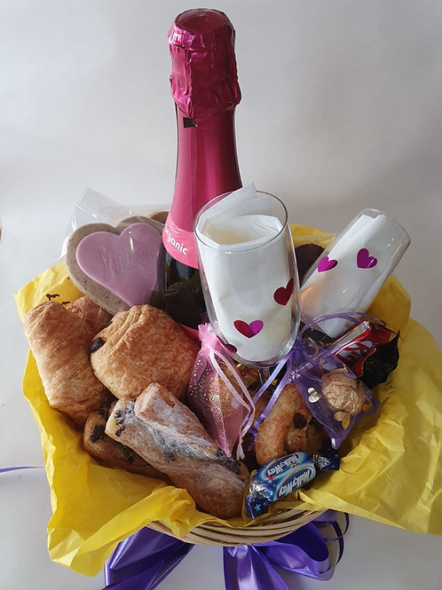 Breakfast basket for two