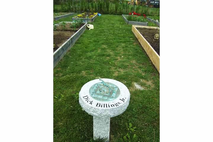 community garden sundial2
