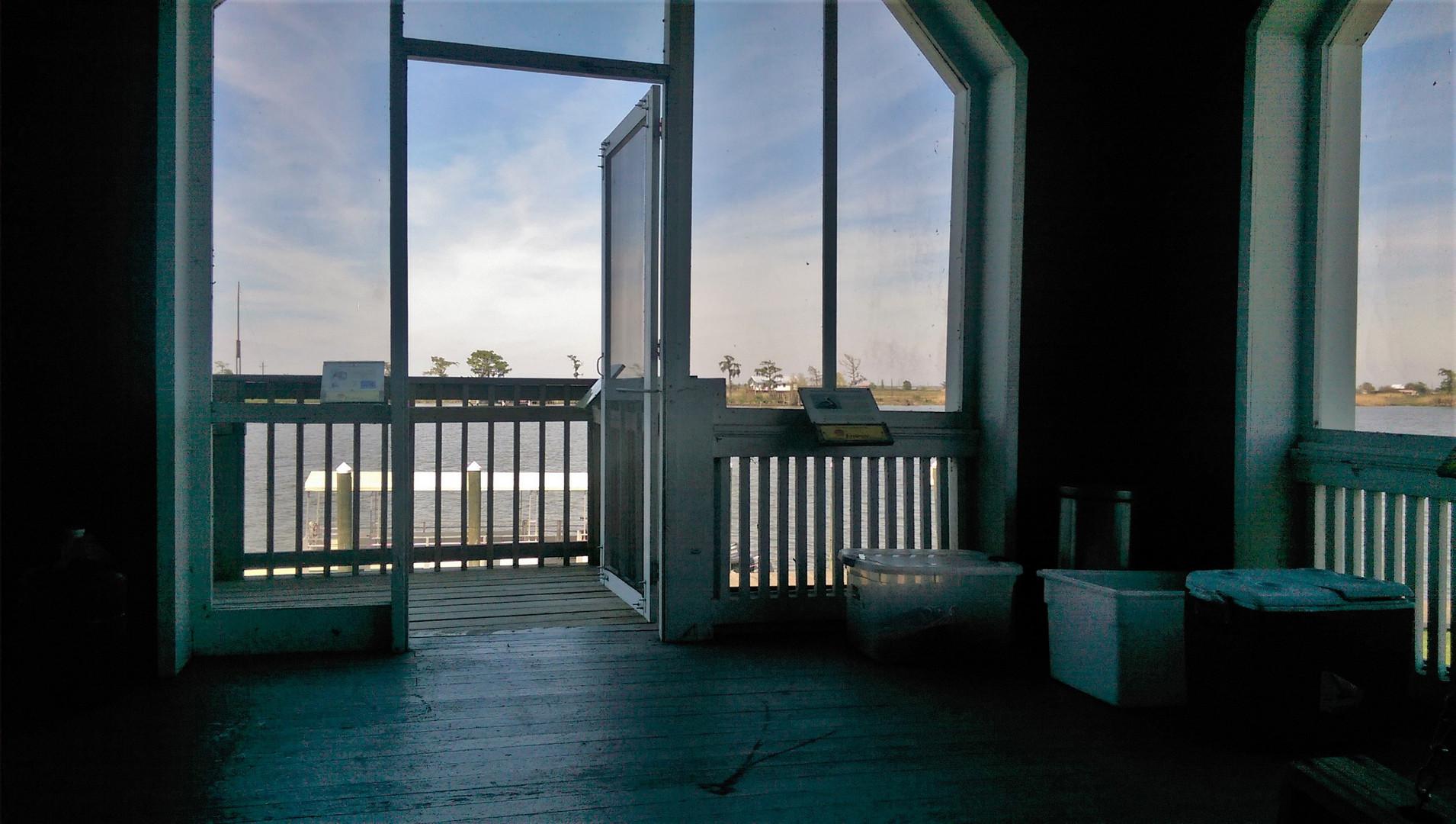 a screen porch pawdna.jpg