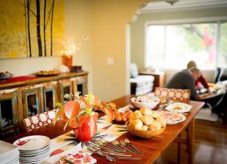 thanksgiving-dinner-2ZL6LQJ.jpg
