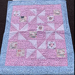 Baby quilt with lambs.jpg