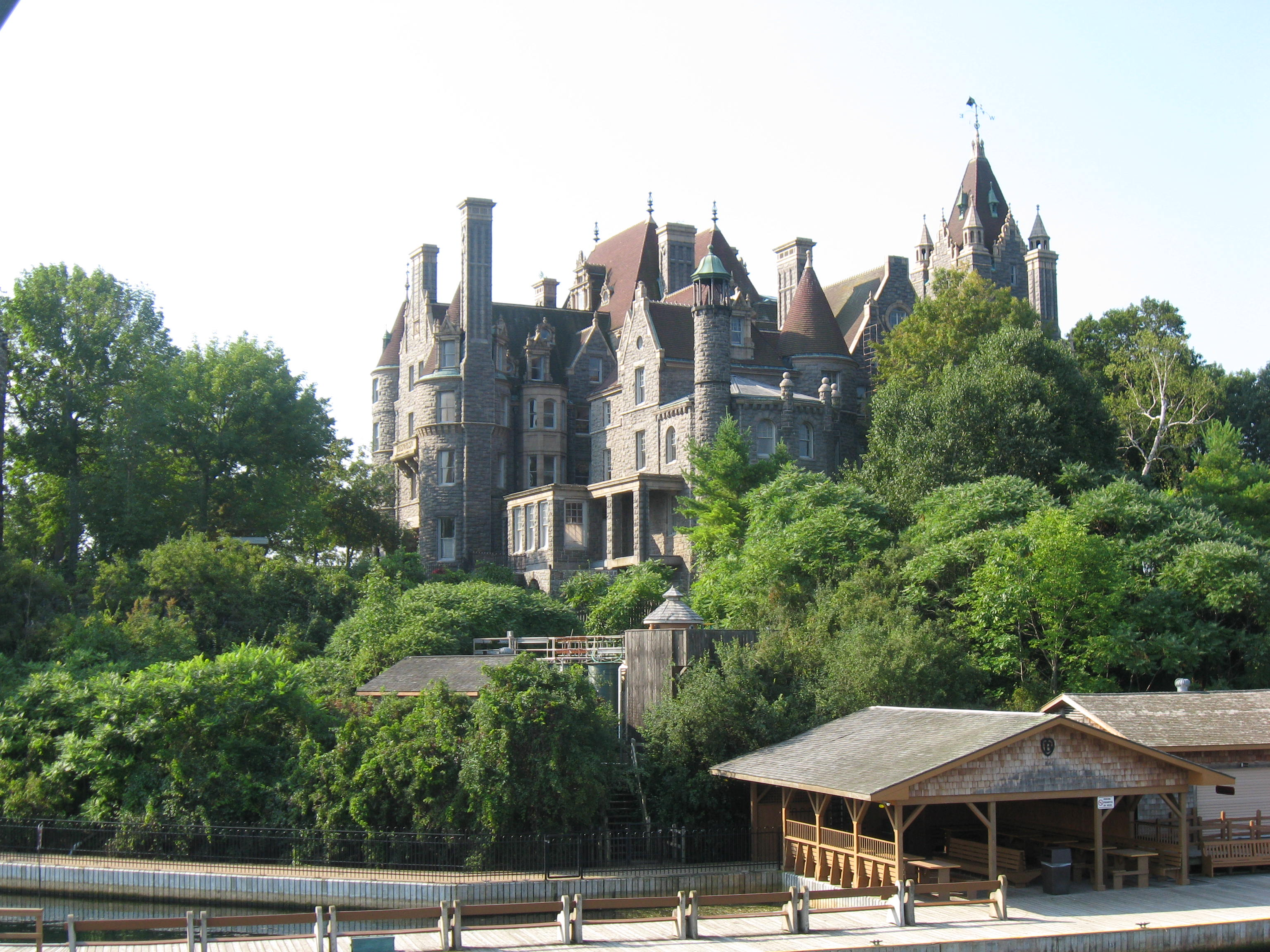 Boldt_Castle_on_Heart_Island_-_Thousand_