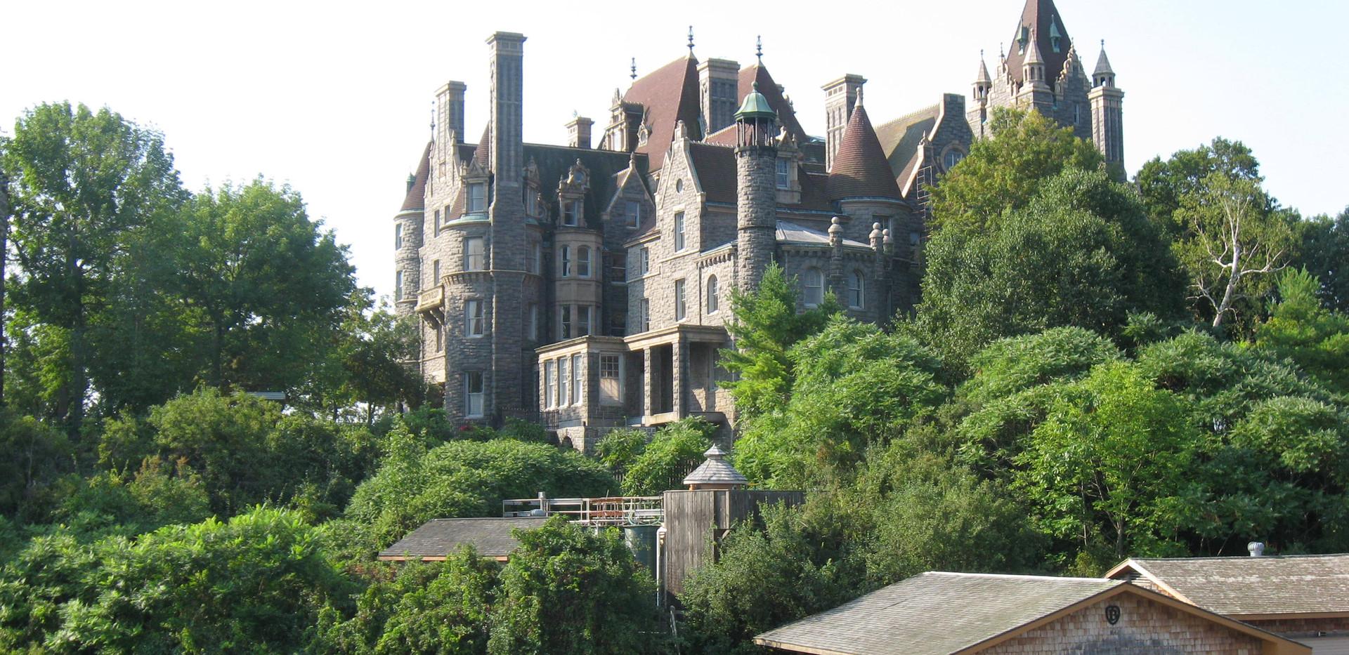 Boldt_Castle_on_Heart_Island_-_Thousand_