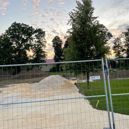 Baubeginn für Beachvolleyball-Platz im Maxgarten erfolgt