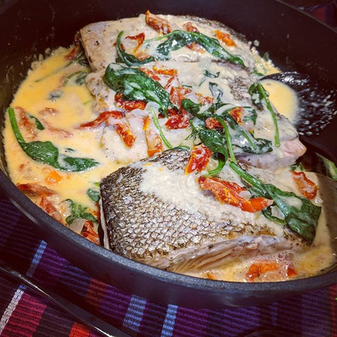 Salmon Fillet with Cream Sauce and Sundried Tomatoes