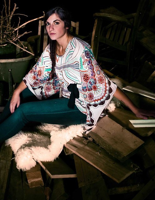 DOCICA September fashion shoot woods girlsErin Sitting on wood IMG_9415