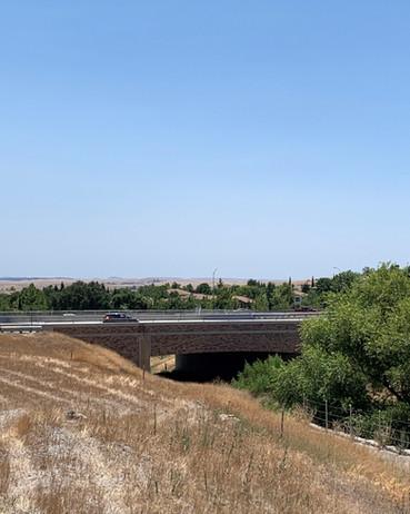 East Saratoga Way Crossing, El Dorado County