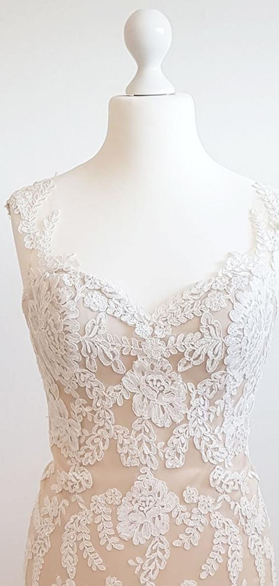 112-Beautiful-Bridal-11a.jpg
