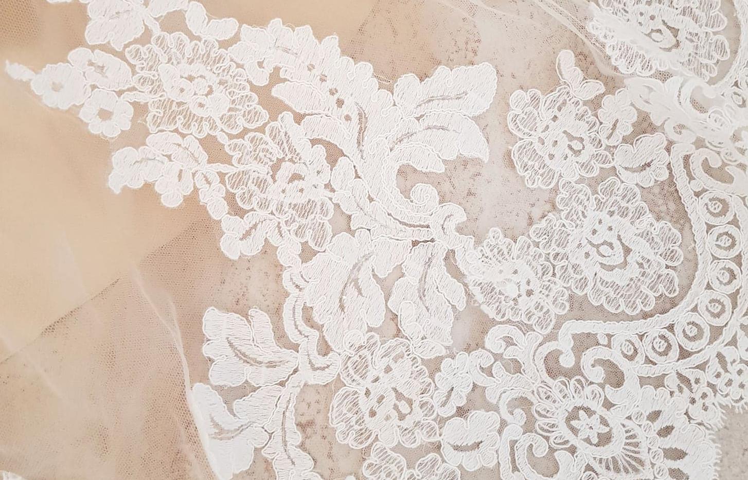 084-Beautiful-Bridal-08.jpg