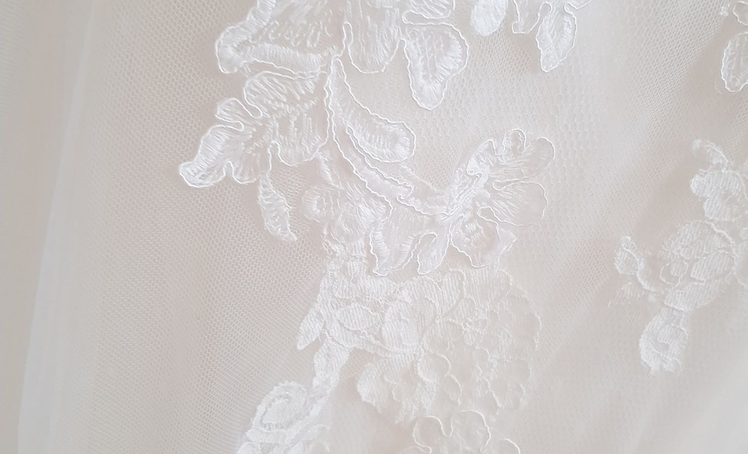 071-White-one-09.jpg