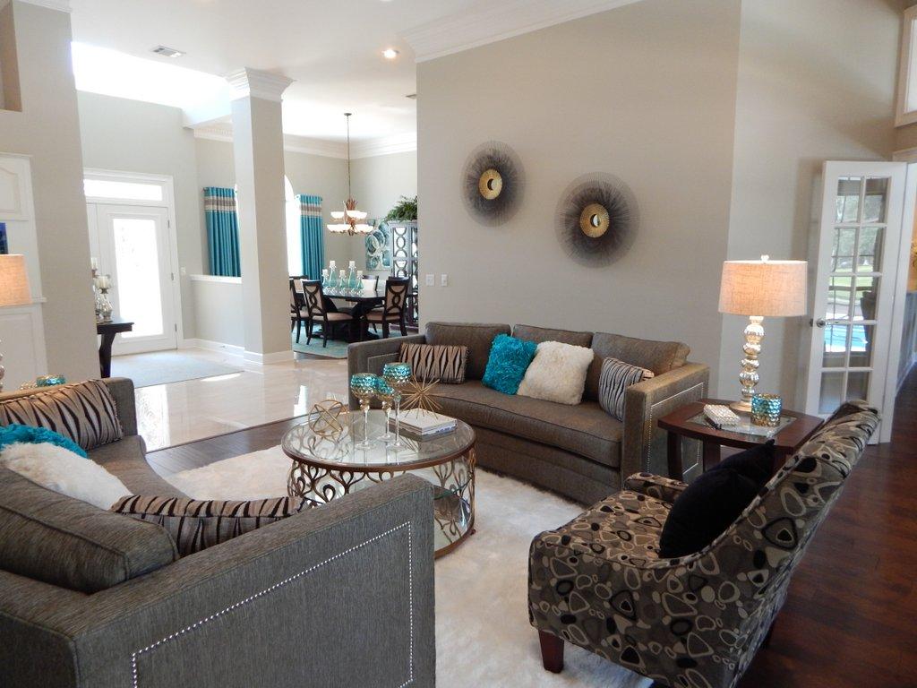 Metropolitan Style Living Room