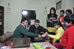 Pour la famille de notre hôte à Delhi