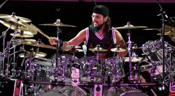 mike-portnoy-entre-os-melhores-bateristas-de-todos-os-tempos.jpg