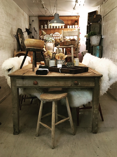 Fabulous pine country table
