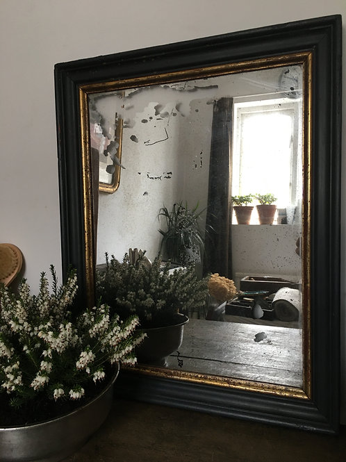 Foxed mirror