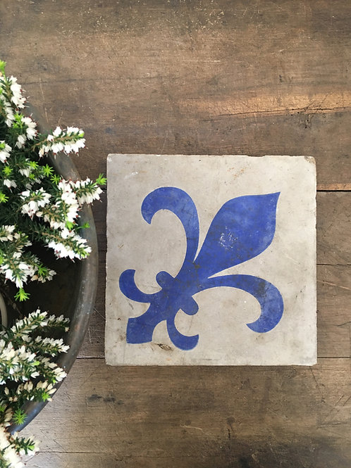 Beautiful indigo design tile