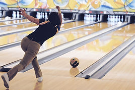 Kvinna Bowling