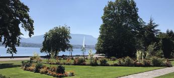 Jet d'eau de Genève depuis un parc