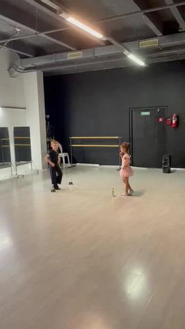 Будущие звезды тренируются и летом! Артем и Фаина! Первые шаги в танце Джайв!