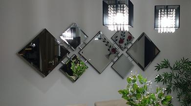 Espelho com bisotê