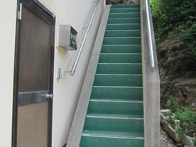屋外階段昇降機・手すり取付前