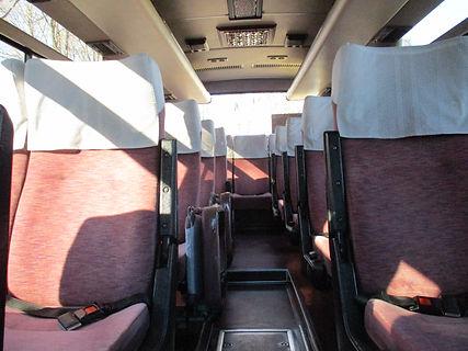 小型バス内装