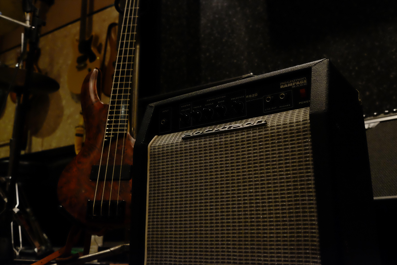 G.amp FERNANDES FA-15