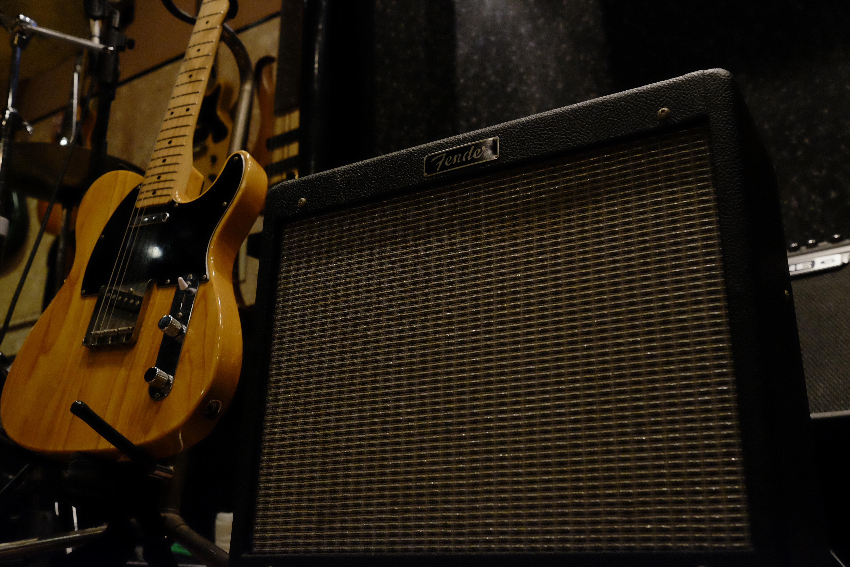 G.amp FENDER BluesJunior