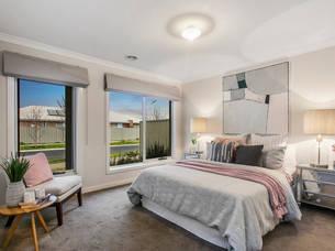 Pakenham staged master bedroom 41.jpg