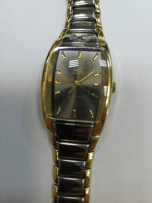 Женские часы Q&Q VN62-401