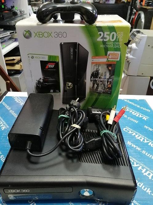 Игровая приставка Microsoft Xbox 360 E 250 гб
