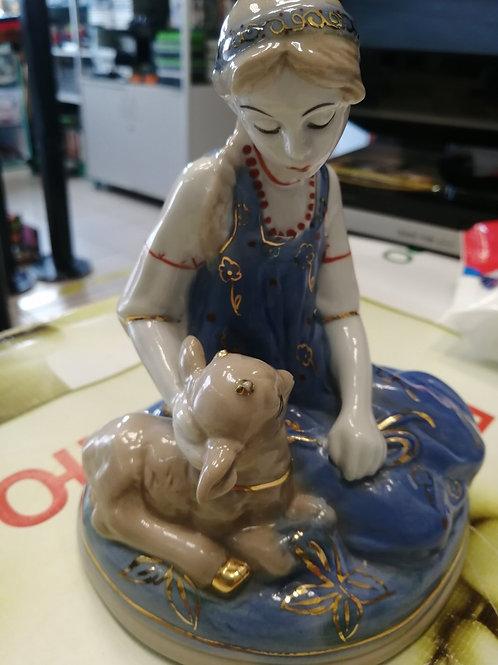Фарфоровая статуэтка Алёнушка с козленком Гжель