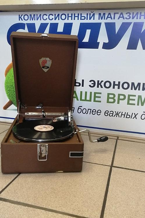 Патефон - Ордена Ленина завод Молот