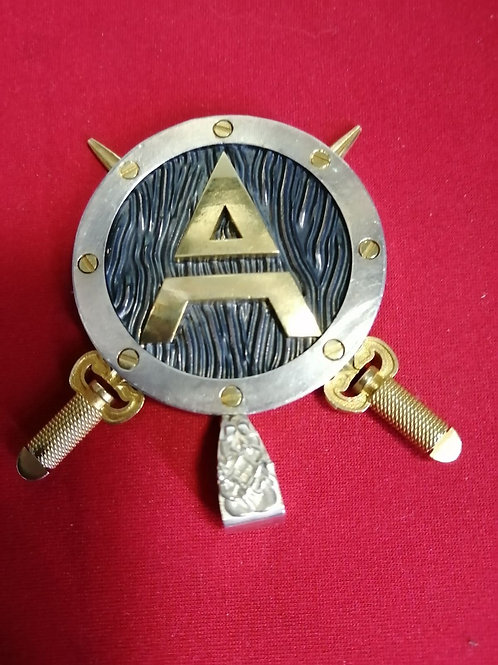 Оберег символ Велеса на щите с мечами - Серебро