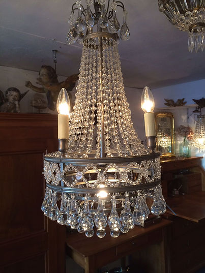 Silberner Kronleuchter vorher mit Kerzen