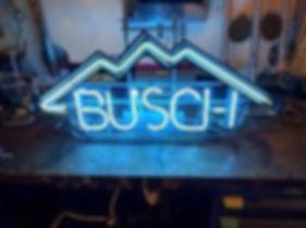 Neonreklame USA Busch Bier revidiert